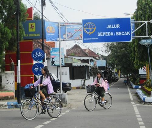 Bersepeda di Jombang, nyaman!